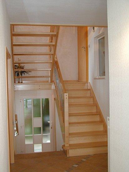 treppen backhaus bauelemente. Black Bedroom Furniture Sets. Home Design Ideas